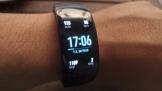 Trên tay vòng đeo thông minh Samsung Gear Fit 2 Pro