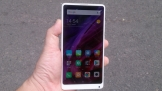 Xiaomi Mi MIX 2 SE sang trọng với chất liệu gốm nguyên khối