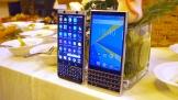 BlackBerry KEY2 'đọ dáng' cùng KEYOne