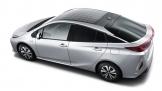 Panasonic sản xuất mui xe năng lượng mặt trời cho Toyota Pirus PHEV