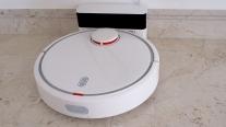 Mi Robot Vacuum: Tự thiết lập lộ trình, vệ sinh nhà sạch