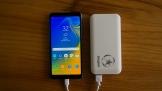 energinzer-sieu-nhan-thoai-mai-su-dung-smartphone