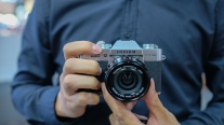 'Gã khổng lồ tí hon' Fujifilm X-T30 chính thức ra mắt