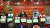 """Quỹ Toyota trao tặng học bổng """"Vòng tay nhân ái"""" tại tỉnh Lạng Sơn"""