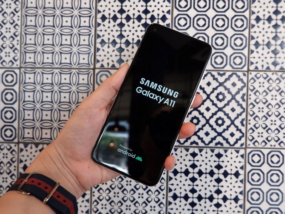 """Người dùng """"cần gì"""" ở chiếc smartphone khoảng 3 triệu đồng?"""