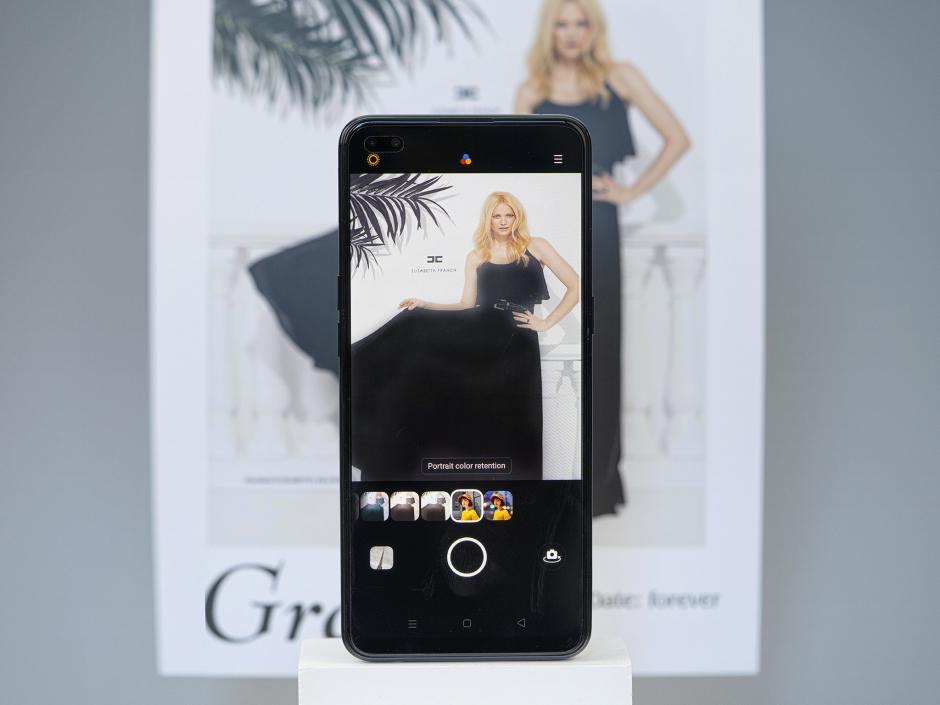 Cận cảnh OPPO Reno4, chiếc smartphone sẽ ra mắt vào 1/8 tới đây
