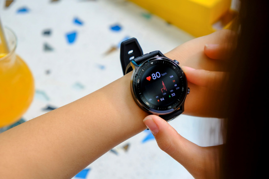 Trên tay đồng hồ thông minh Realme Watch S vừa ra mắt