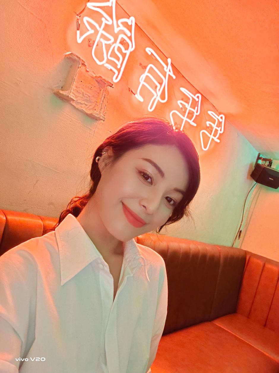 Ngao du Sài Gòn cùng Phương Uyên và vivo V20