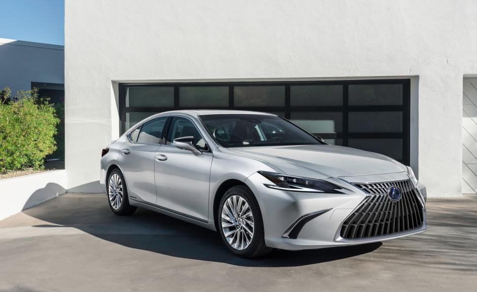 Lexus ra mắt ES mới