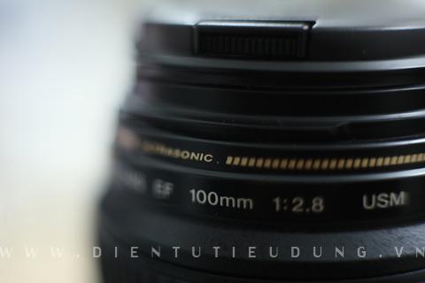 Canon EF 100mm f2.8 USM