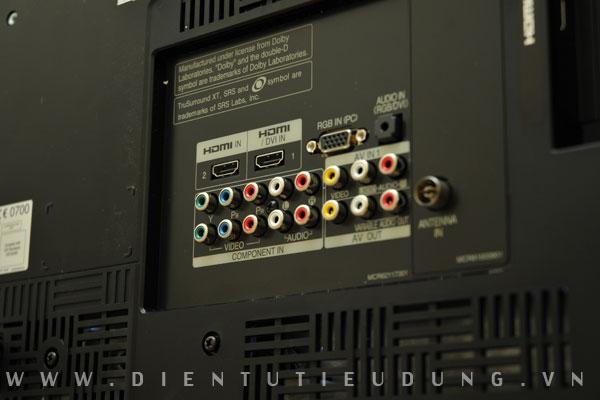 LG SL80 Kết nối đa dạng được đẩy toàn bộ về mặt sau