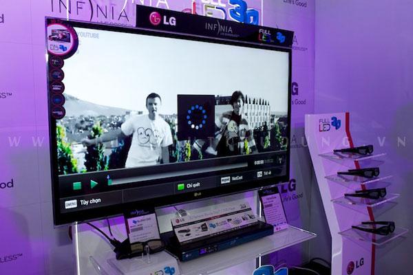 TV 3D LX9500 phiền bản 55 inch giá 72.990.000 VND