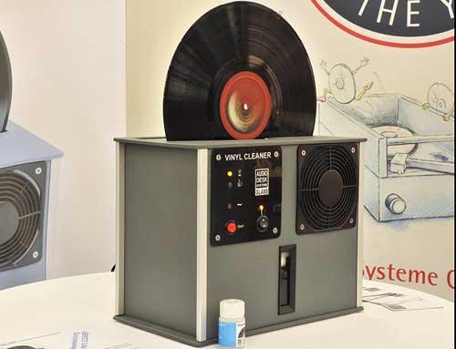 Audio Desk Systeme, Vinyl Cleaner, lau đĩa, LP, đĩa than, Stereophile, sản phẩm của năm, phụ kiện, phụ trợ, tự động