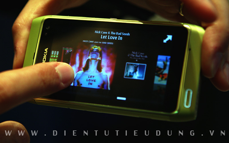 Nokia N8 Review Music Cover Flow