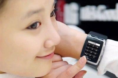 Các mẫu Watch phone gây thích thú cho người dùng. Ảnh: LG