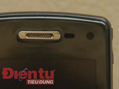 Các bộ phận phía trền màn hình của GD900
