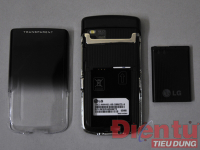 Mặt sau LG GD900 khi tháo pin
