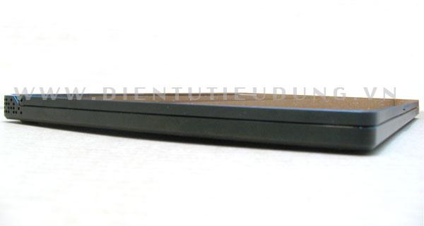 Dell Adamo chỉ dày 16,5 mm