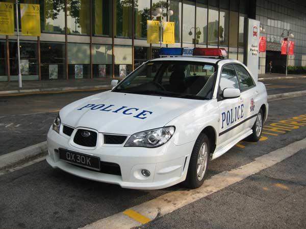 Chiếc xe được trang bị nhiều hệ thống hỗ trợ điện tử