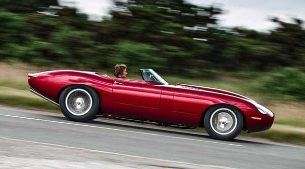 Chiếc xe với dáng hình hoài cổ, mô phỏng nguyền mẫu Jaguar E-Type