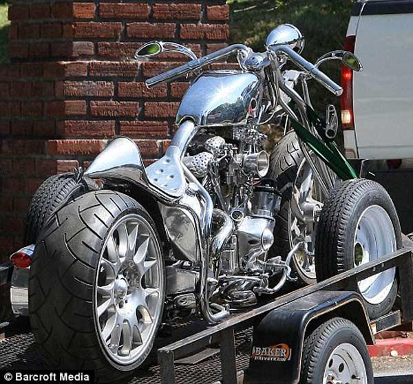 """Xe mạ chrome mới của """"Ngài Smith"""""""