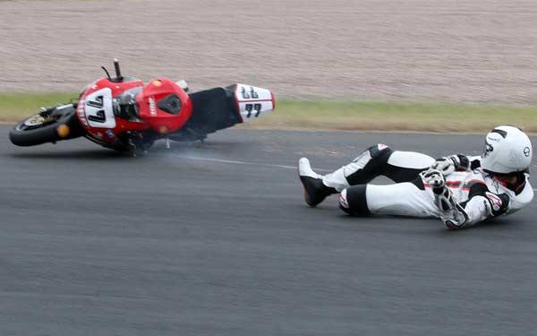 Tai nạn với chiếc Honda Fireblade của Schumi