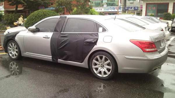 Trụ B lớn hơn mức thông thường, đặc điểm của xe limousine