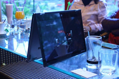 Lenovo Yoga 2 Pro, can canh, tren tay, hands-on