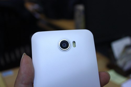 HKPhone, Revo, NEO, mo hop, unbox, tren tay, can canh, hands-on
