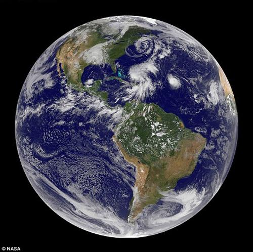 buc anh mau. dau tien, chup hinh, trai dat, NASA, bức ảnh màu, đầu tiền, chụp hình, trái đất