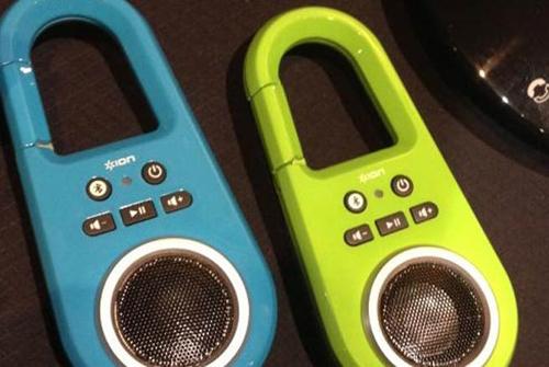 Bluetooth, mau loa, jam classic plus, Definitive Technology, OnBeat Rumble, FoxL
