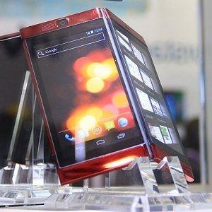 Medias W N-05E, Android, Qualcomm MSM8960