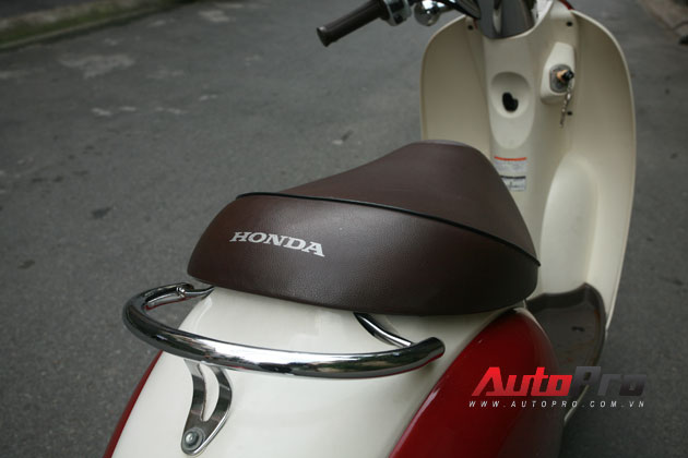 Honda, Vespa, Lambretta, Mobylette, Vélosolex, Suzuki, Yamaha
