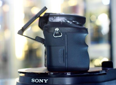 Sony Alpha STL-A77
