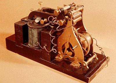 Máy điện báo mã hóa Morse của Samuel Morse năm 1936. Ảnh: wrvmuseum.
