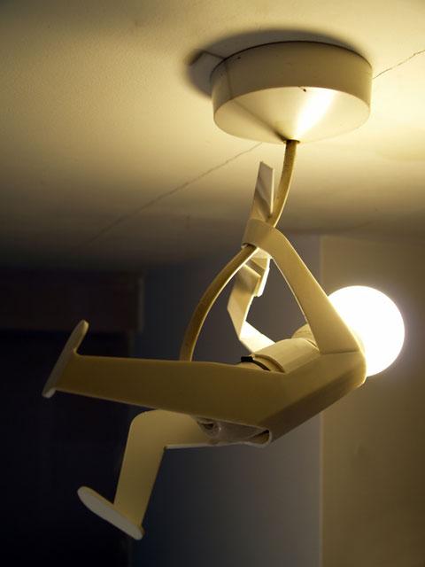Loại đèn trang trí được gắn trền trần