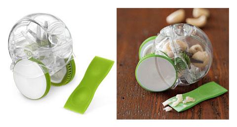 Khi thao dao khỏi Chef'n Garlic có thể trở thành những món đồ chơi cho lũ trẻ