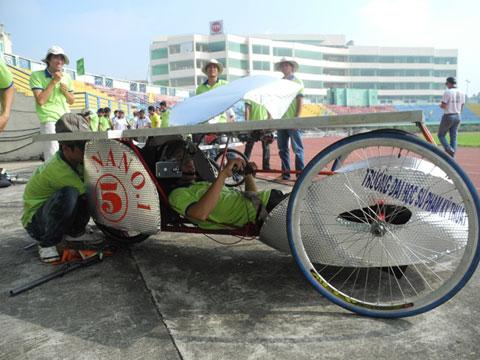 chung kết cuộc thi xe chạy năng lượng 2011