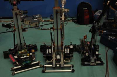 Một chú robot khác của ĐH Lạc Hồng