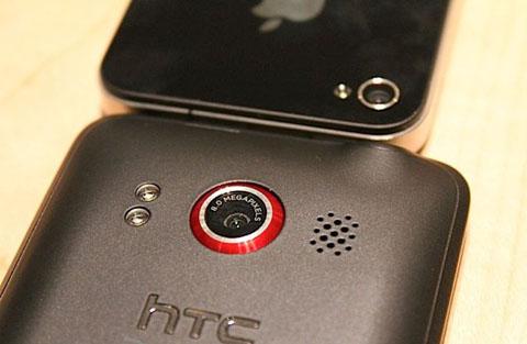 iPhone 4 và HTC EVO 4G