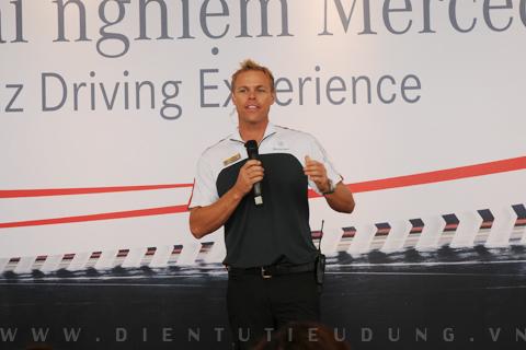 Sự kiện lái và trải nghiệm Mercedes-Benz 2010 tại Hà Nội