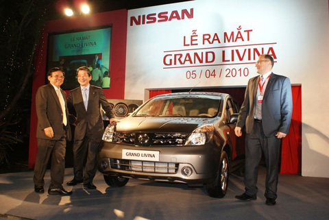 Nissan-GrandLivina-