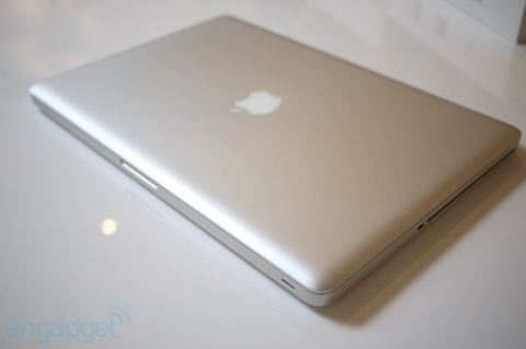 apple-macbook-corei7-unbox-