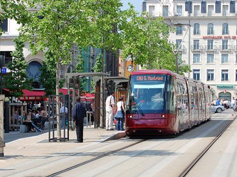 Xe điệnTranslohr tại Clermont - Pháp (Ảnh: wiki)