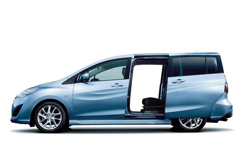 Cửa sau thiết kế trượt an toàn và tiện dụng (Ảnh: Mazda)