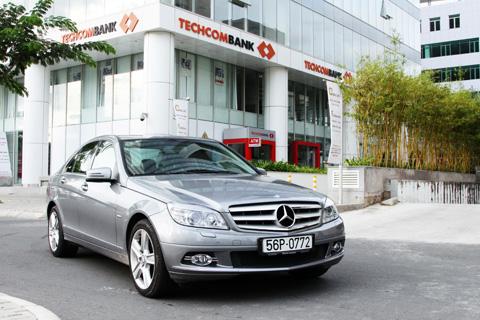 Mercedes hỗ trợ phí trước bạ cho khách hàng